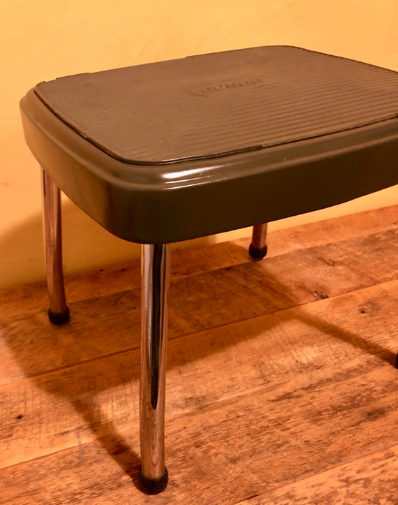 Terrific New Lower Price Vintage Green Metal Step Stool By Cosco 10 1 2 Inch Tall Kitchen Bathroom Alphanode Cool Chair Designs And Ideas Alphanodeonline