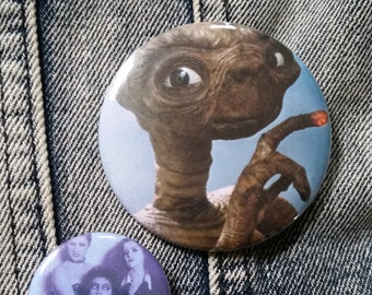 ET E.T. the Extra-Terrestrial handmade 2-1/4 inch pinback button pin pins buttons pingame badge badges