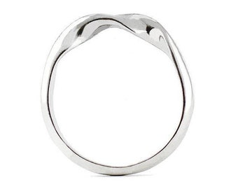 Ring DNA Sterling Silver. Wedding band in silver 925. Moebius band. Silver ring. Sterling silver ring.