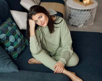 6a3f319923 Crop top pajama set