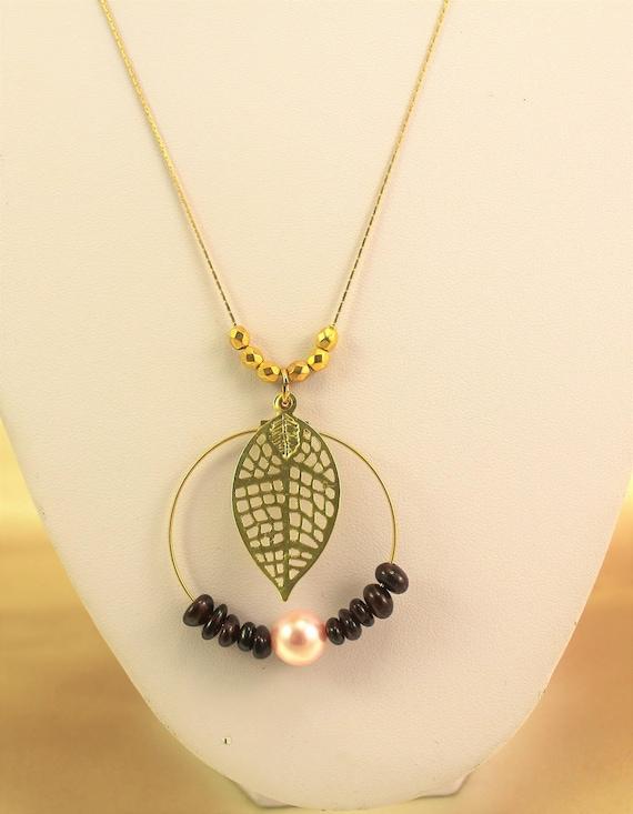 Wedding necklace  and gemstones pendant with leaf filigree