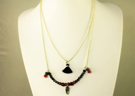 semi-long bohemian double necklace with red coral, onyx and a silver pendant made in france