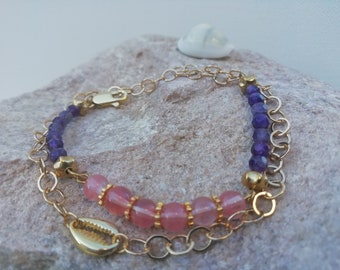 lucky cauri bracelet with 24-karat gold plated chain, pink quartz and amethyst