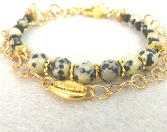 summer bracelet cauri and 24 carat gold-plated chain with Dalmatian jasper and onyx
