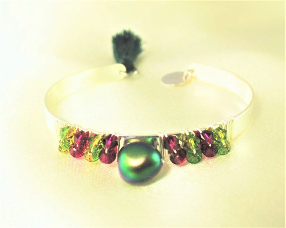 swarovski bangle with scarabeus swarovski pearl, swarovski bicones and sequin