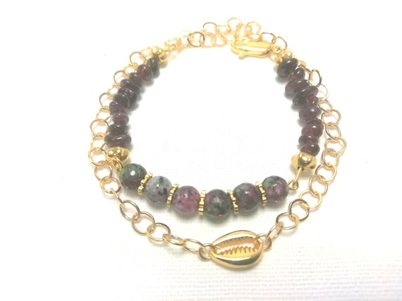 Shell bracelet, 24-carat gold-plated chain, ruby zoisite and garnet