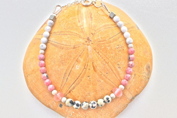 bracelet pierres fines et argent : jaspe dalmatien, rhodonite howlite et quartz rose
