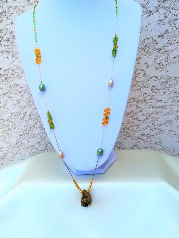 sautoir bohème chic pierres fines, swarovski et perles de bohème et rocailles