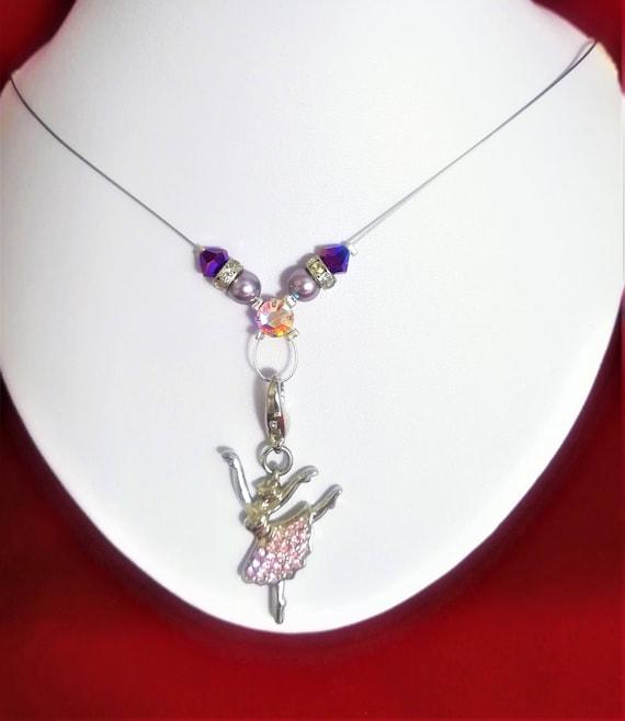collier perles et charm ballerine swarovski violet et rose