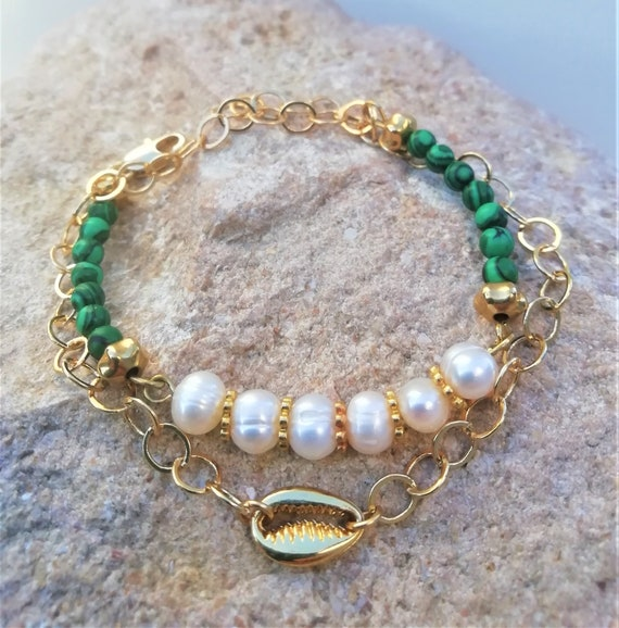 summer bracelet cauri brings good luck, chain plate gold, malachite and freshwater pearls