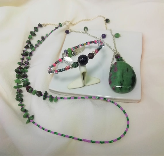 silver necklace 925 fine ruby stones zoisite