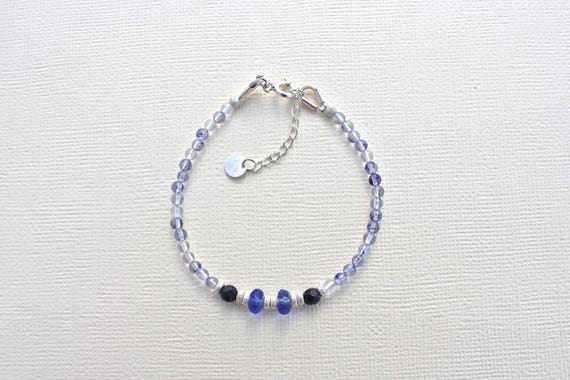 fine bracelet with semi-precious stones : blueberry quartz, blue goldstone and silver 925