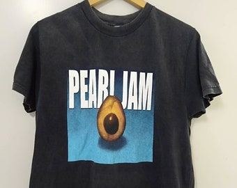 277705761047 2000s pearl jam tshirt front and back print medium size