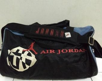 e0bd59e0737739 Vintage 90s Nike Air jordan duffle bag multicolour bags