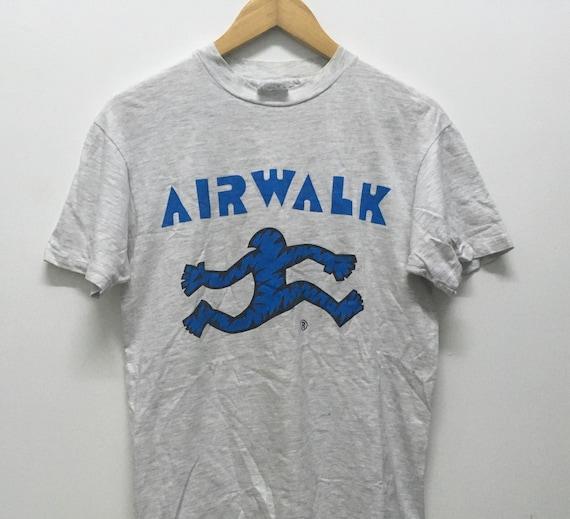 Vintage 90s Airwalk skateboard tshirt size M/skate