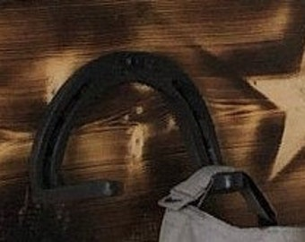 Bent Horseshoe Hook. Horseshoe Rack. bent horseshoe hook. Horseshoe Hanger. Horseshoe Tack Hook. Coat hook, hat hook