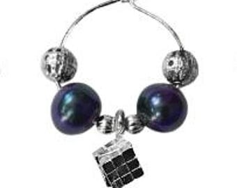 Wine charm set  - 6 pieces with irised pearl