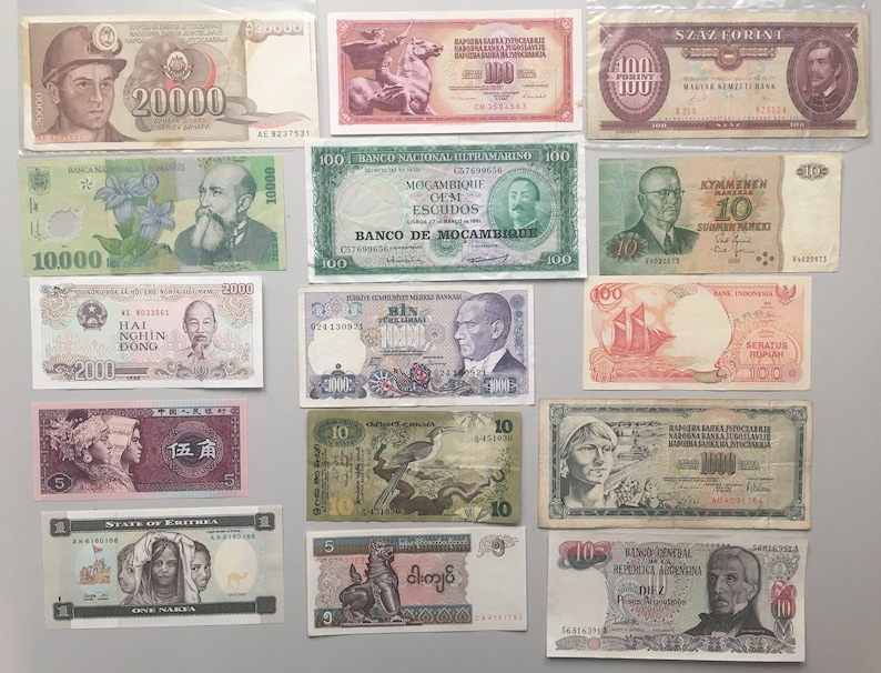 15 Circulated World banknotes, pre-Euro Europe, Asia, Africa, S America etc  - varied condition - Excellent starter collection *[15797]