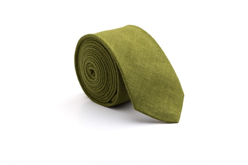 5142134ef442 Moss green linen tie for wedding moss tie mens moss neck | Etsy