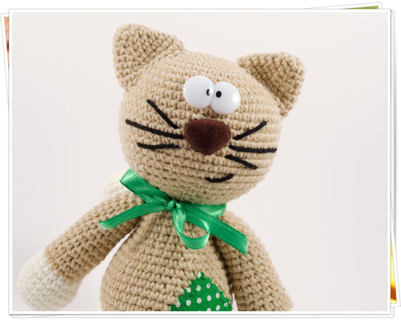 Toy Patterns by DIY Fluffies : Milo the hipster cat Amigurumi ... | 635x794