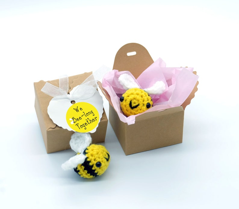 bee gift bee charm love gift for her gift for him personalised keyring valentines gift box keepsake party favor cute gift anniversary gift