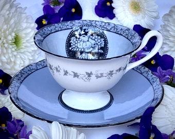 Royal Chelsea Wide Mouth Pedestal Blue Flowers Tea Cup /& Saucer Set