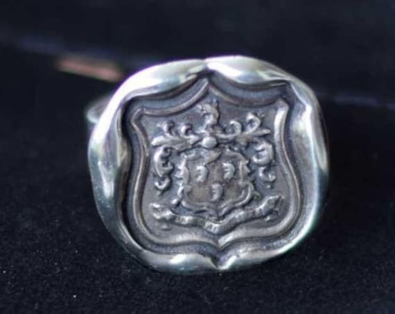 Wolf Crest Wax Seal Ring