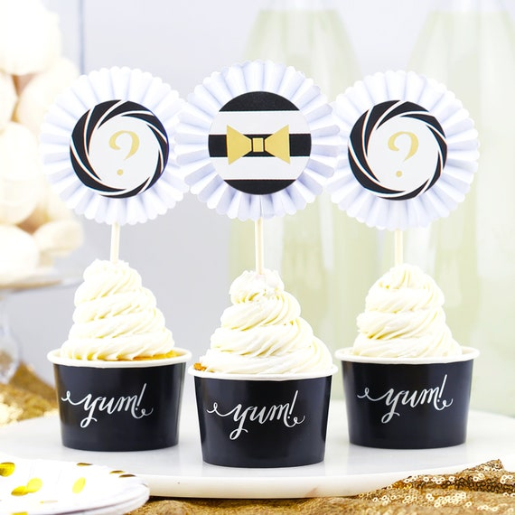TOPPERS JAMES BOND 007 CUPCAKE FLAGS