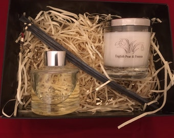 Gift Box with scented soy candle and matching scent diffuser.