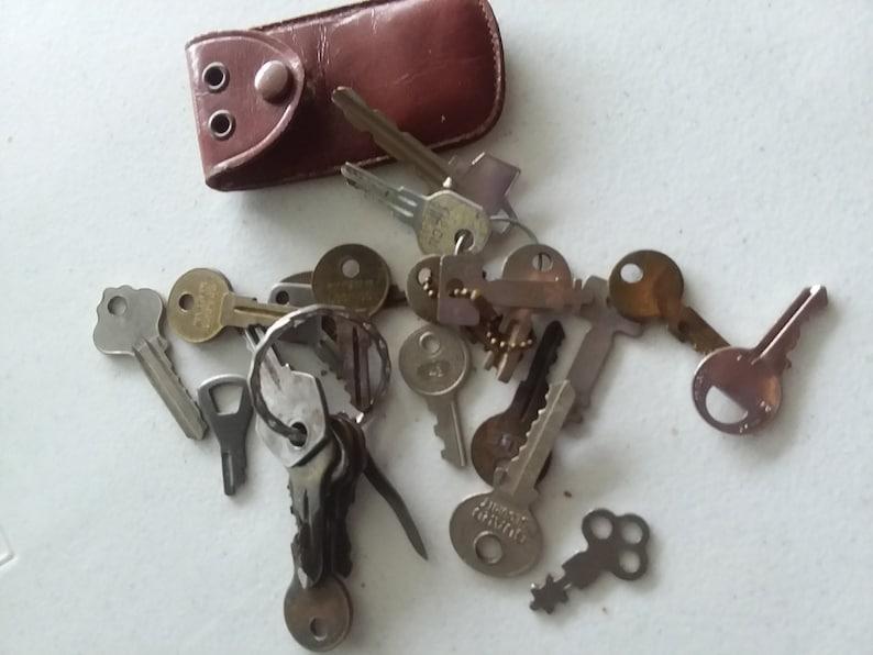 Set of 24 Miscellaneous Keys