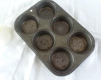 Primitive Muffin Pan