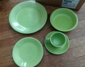 5 Piece Place Setting Chartreuse Fiestaware - Retired