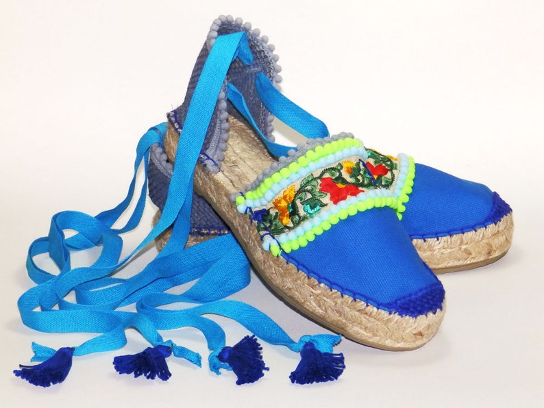 b88d3ec54 Blue platform espadrilles sandals with ethnic embroidery | Etsy