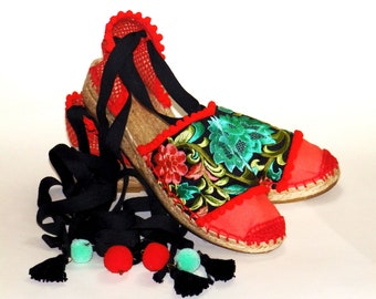 Red lace up espadrilles with low wedge. Flower embroidery. Organic Cotton.  Alpargatas made in Spain
