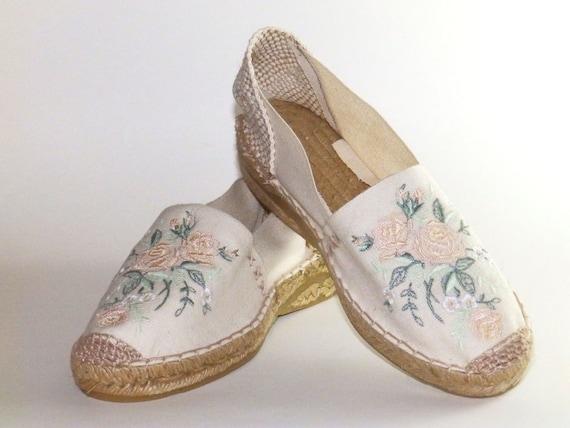 b5c63bfe4aa Wedding bridal espadrilles Embroidered espadrilles Flowers Organic cotton  Adlib Alpargatas made in Spain