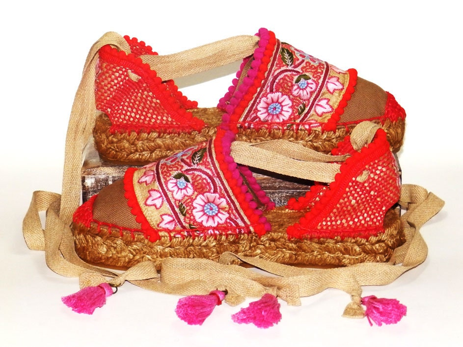 7d4e1b71aee Platform espadrilles sandals with red and pink Flower embroidery Organic  cotton Alpargatas made in Spain