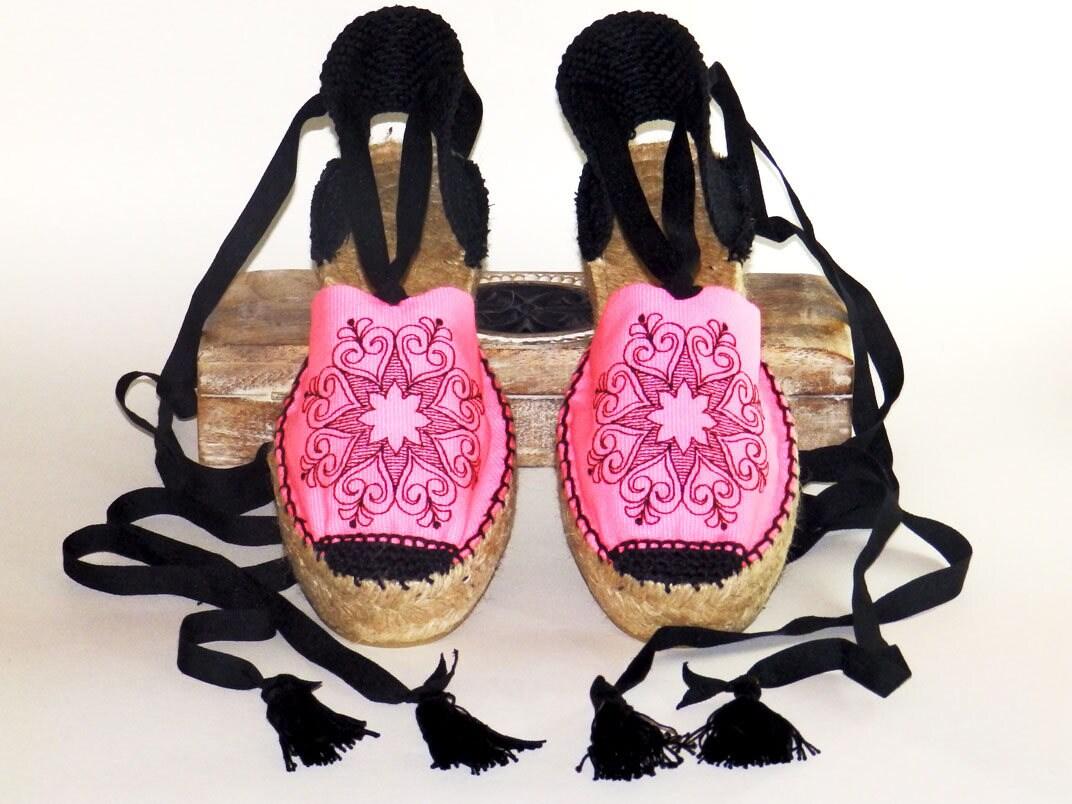 ef072ac694e Pink platform espadrilles with MANDALA embroidery Organic cotton Alpargatas  made in Spain