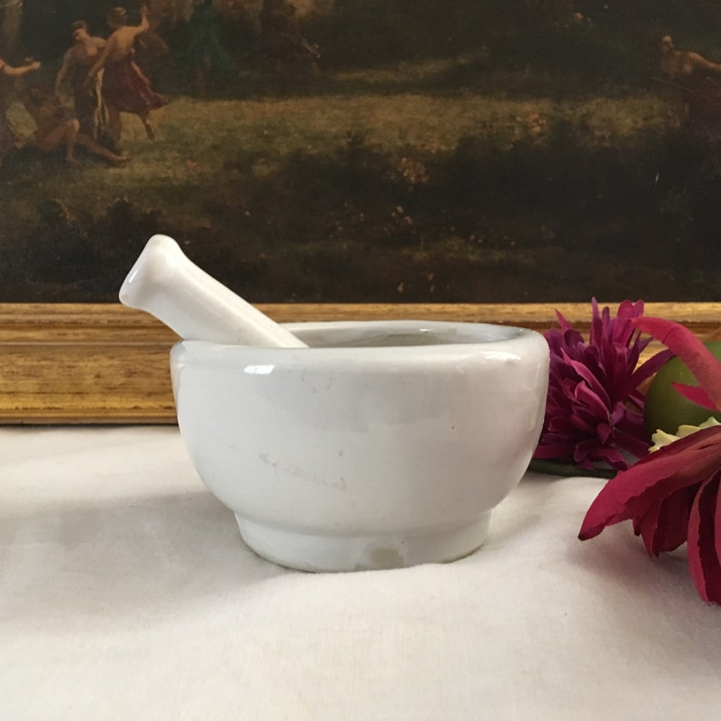Architectural & Garden Collectibles Cheap Sale Vintage White Ironstone Pestle And Mortar