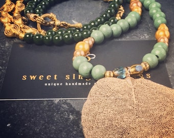 Begging necklace, mala style, necklace, beaded necklace, charms necklace, tassel necklace, necklace with pendant, necklace, yoga style, bohemian, gift