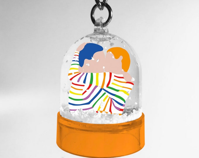 Snowball keyring of the freedom kiss