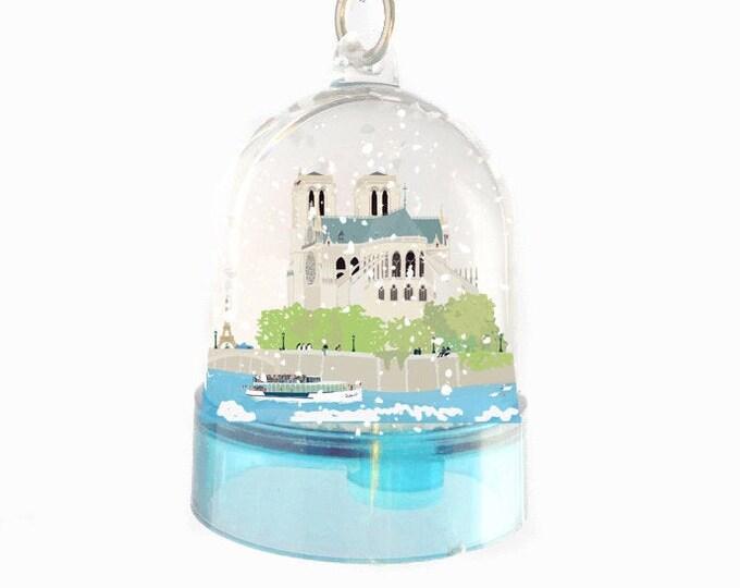 Snowball key ring Notre Dame de Paris
