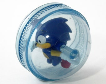 Vintage 90's Sega Sonic The Hedgehog Plastic Ball with Figure