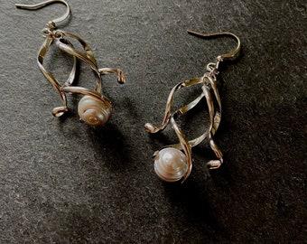 Grey pearl earrings Curly dangle earrings for woman Silver ribbon spiral twists Unique statement jewelry Fun corkscrew squiggle earrings