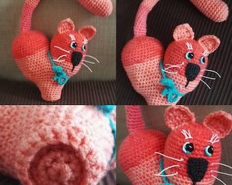 Chat cœur crocheté