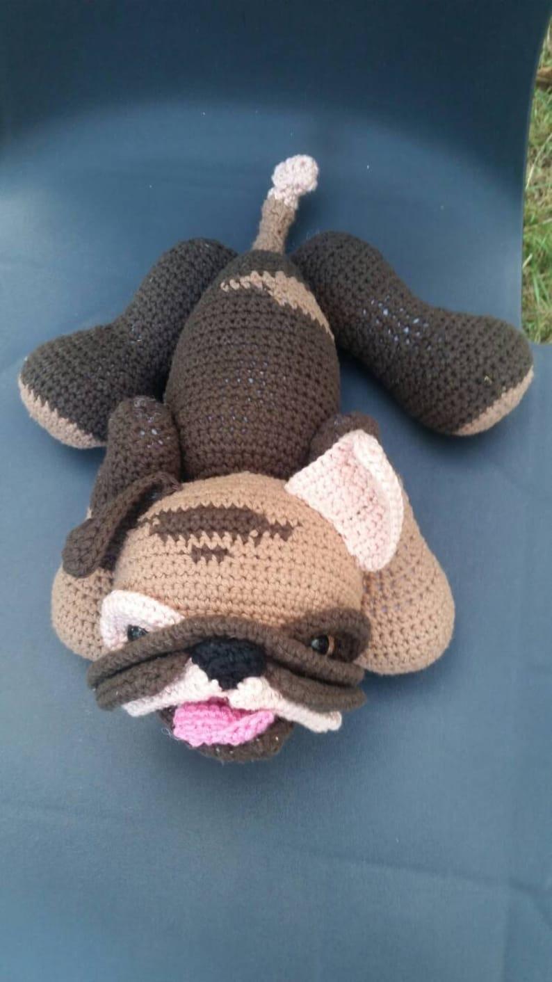 Bull bulldog completely crocheted in cotton Mr
