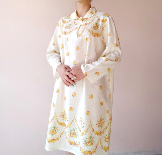Vintage nightgown, L-XL, Pale Yellow nightgown, or