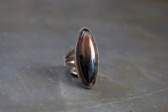 Old Pawn Oval Agate Ring