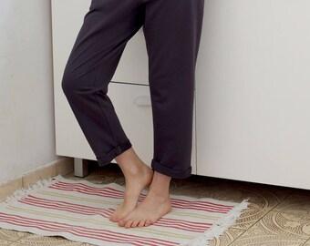 Women's pants Womens' sweats Relaxed pants Knitted pants Womens' trousers Casual pants Cropped pants Elastic waist pants Black pants