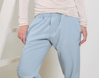 Womens pants Women's pants Loose fitting pants Elastic waist pants Blue pants Casual trousers Pull on pants Women's capris Women's trousers