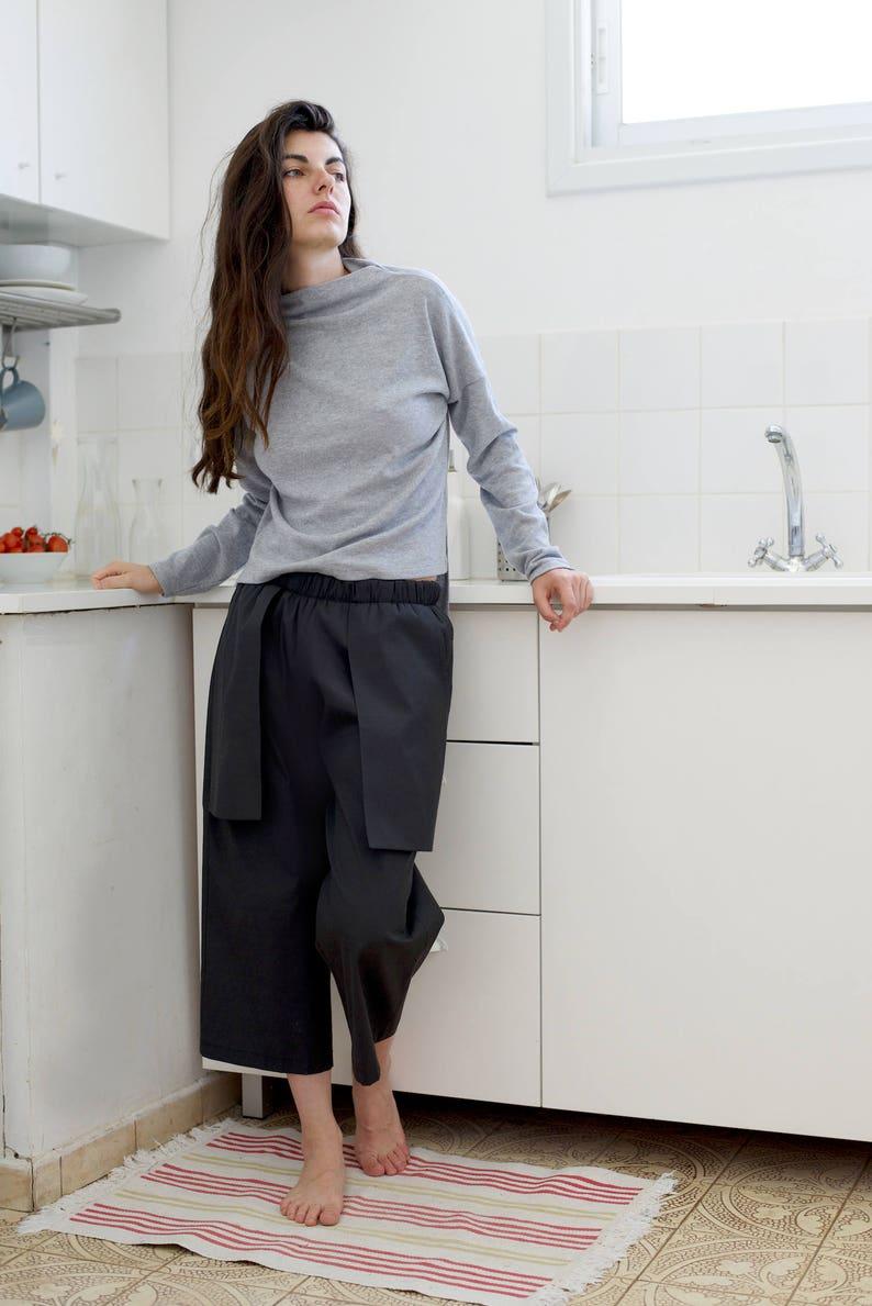 ec874ad5d374 Donna Pantaloni Capri-Donna Culotte nero nero Capri pantaloni | Etsy